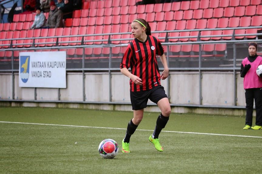Sanna Saarinen Odottaa HJK-ottelusta Kovaa Kamppailua