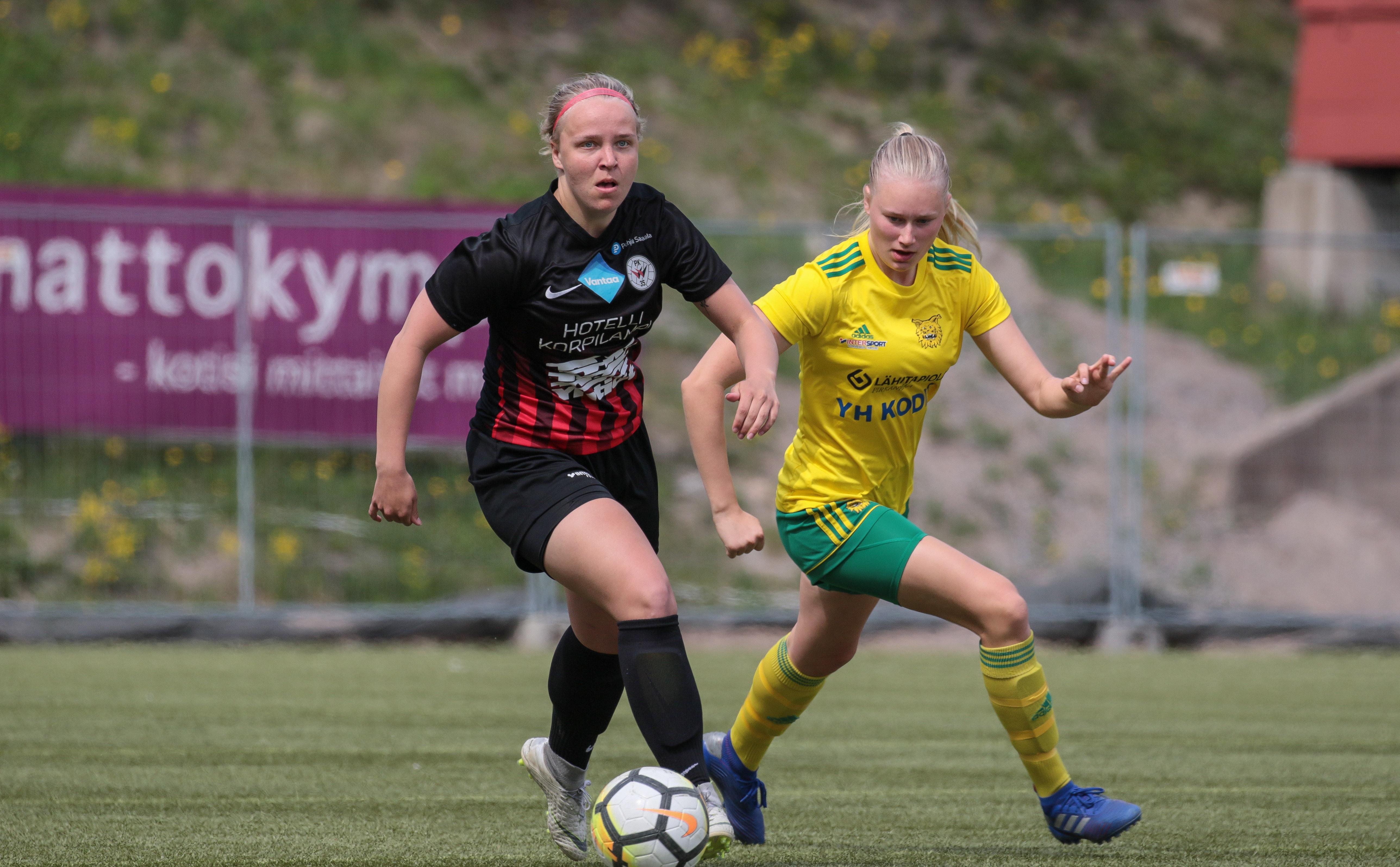Roosa Bröijer Viihtyy Pallon Kanssa