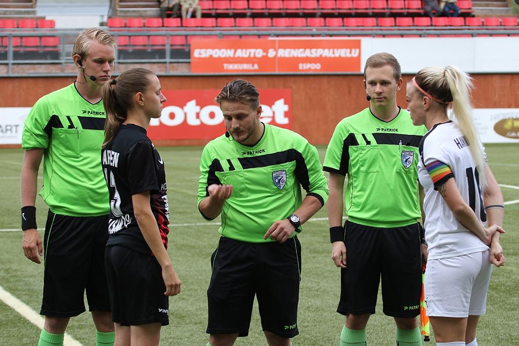 Punamustille Niukka Cup-tappio Vahvalla Peliesityksellä