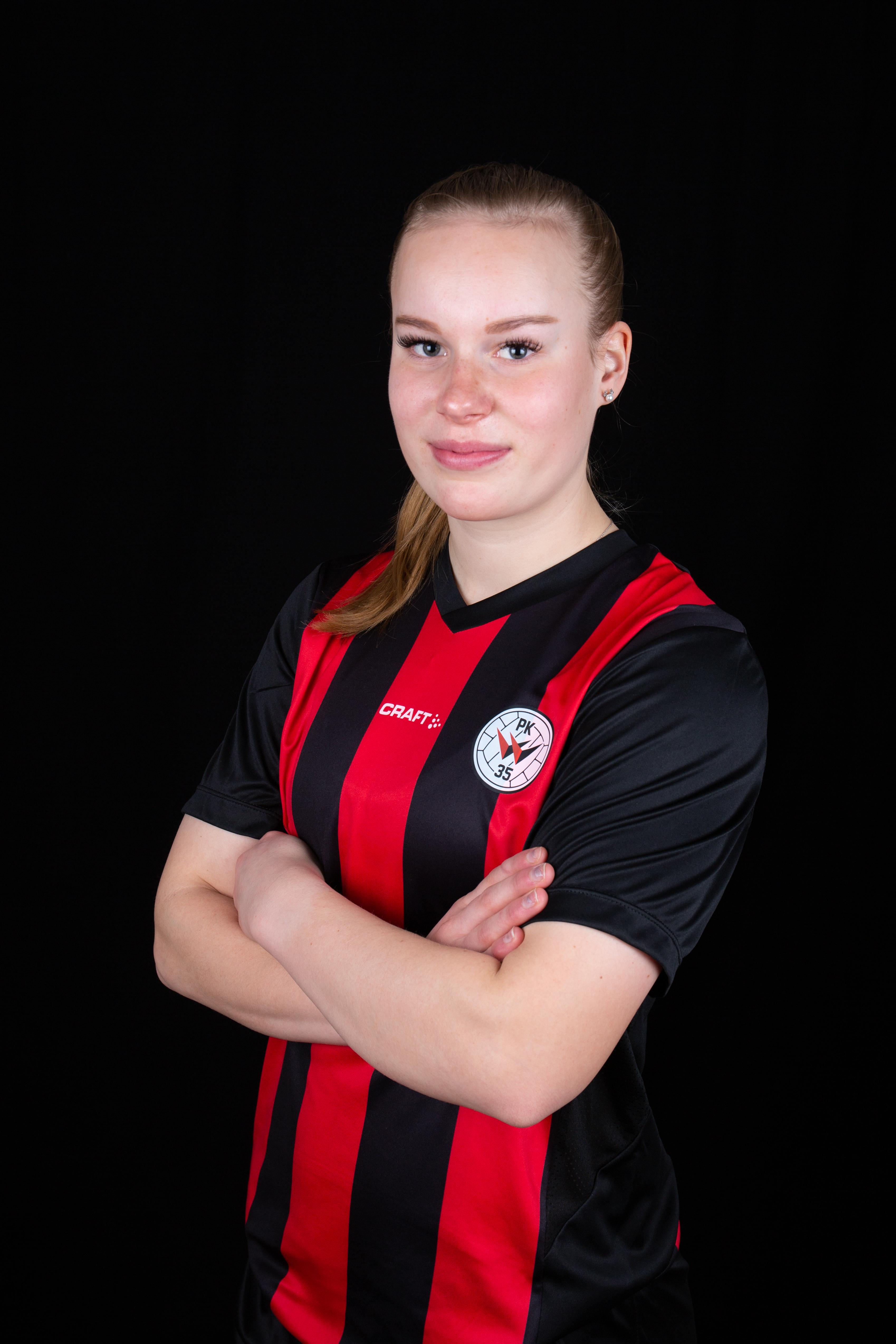 #4 Laura Kölhi